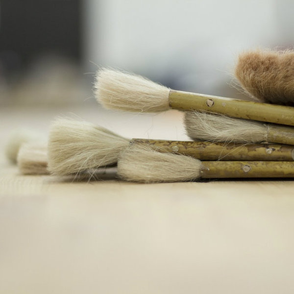 Small paint brushes resize